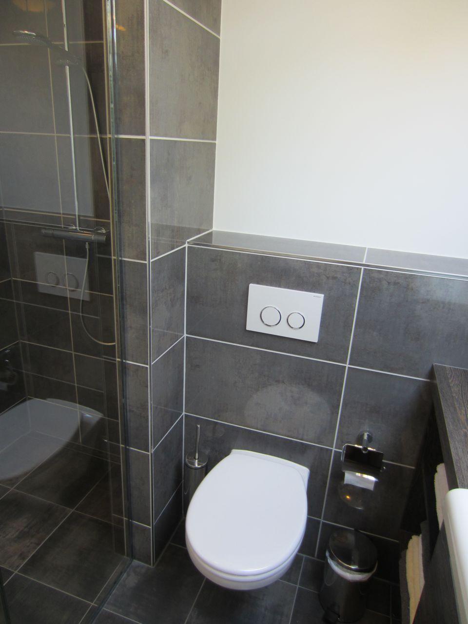 20170409&175541_Kosten Mooie Badkamer ~ muiden nostalgie in de badkamer badkamer op een woonark voorzien van