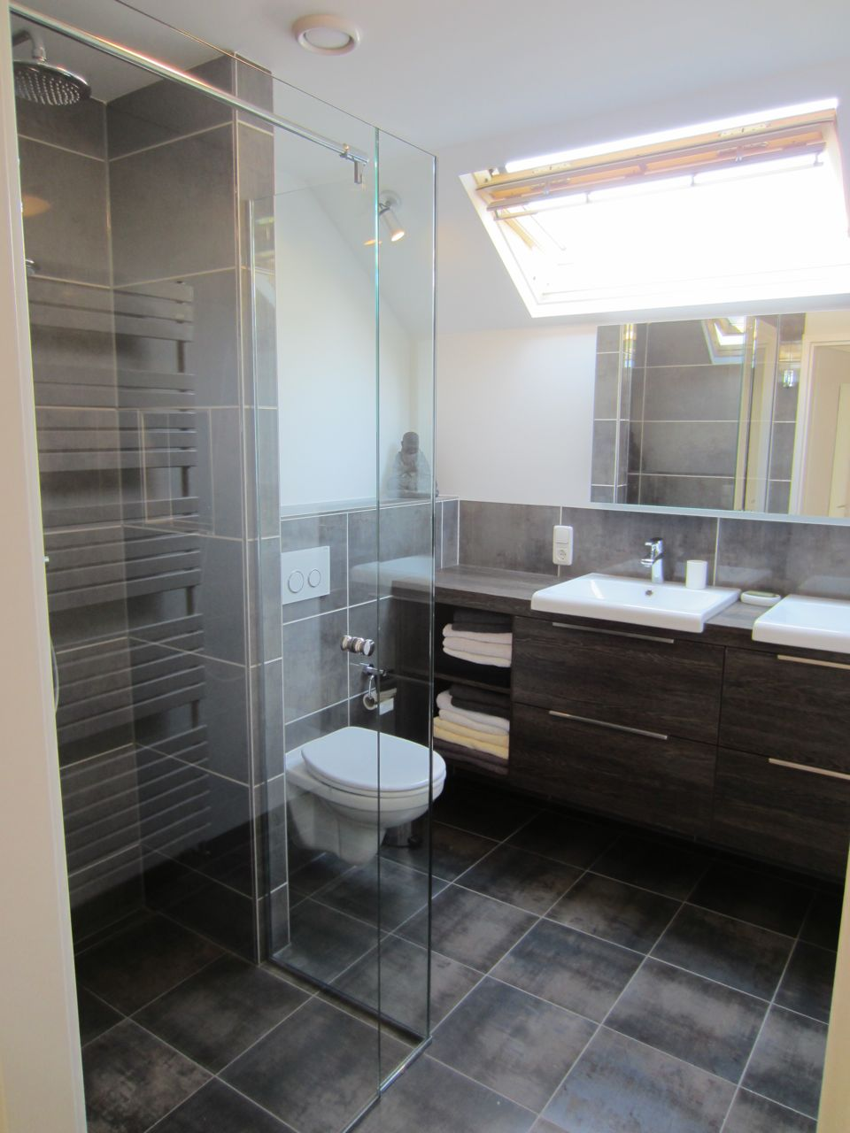 Tegels Badkamer Stroken ~ Jaap Raat Interieurbouw  Badkamers en badkamer meubilair